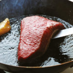 ステーキが美味しく焼ける!ステーキ用フライパンおすすめ6選