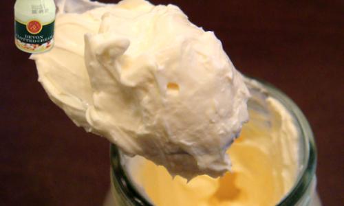 意外と知らない「クロテッドクリームの使い方」とおすすめ通販サイト