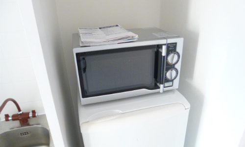 冷蔵庫の上に電子レンジを置くのは問題ナシ!気を付ける注意点は?